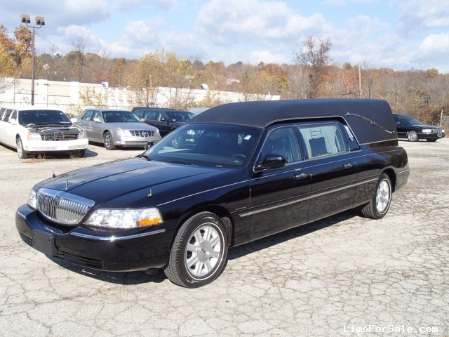 Used 2010 Lincoln Town Car Funeral Hearse Krystal Plymouth Meeting