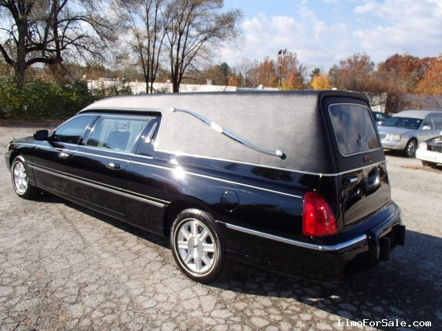 Used 2010 Lincoln Town Car Funeral Hearse Krystal