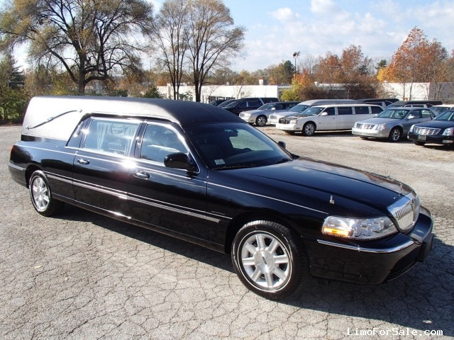 Lincoln Town Car Black For Sale Used 2010 Lincoln Town Car Funeral Hearse Krystal Lincoln Town