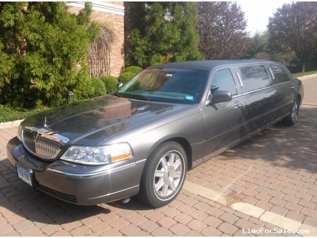 used 2007 lincoln town car sedan stretch limo picasso stamford connecticut 30 000 limo. Black Bedroom Furniture Sets. Home Design Ideas