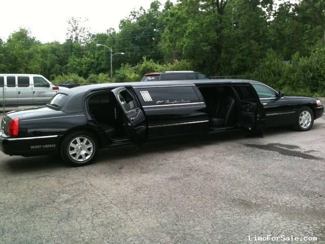 Used 2011 Lincoln Town Car Sedan Stretch Limo Krystal 64 000 Limo For Sale