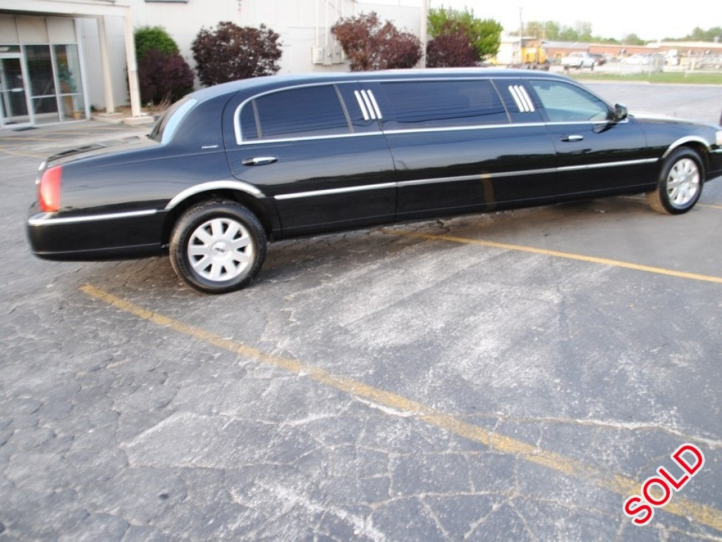 Used 2003 Lincoln Town Car Sedan Stretch Limo Executive Coach