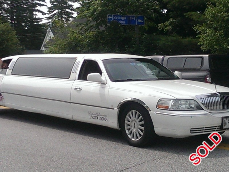 used 2004 lincoln town car sedan stretch limo springfield standish maine 8 000 limo for sale. Black Bedroom Furniture Sets. Home Design Ideas