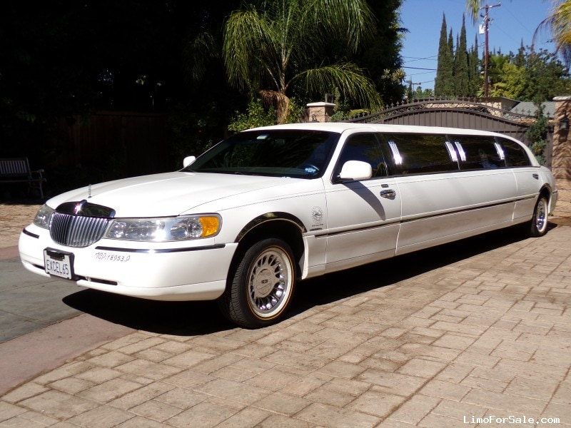 used 1999 lincoln town car sedan stretch limo krystal fullerton california 9 500 limo. Black Bedroom Furniture Sets. Home Design Ideas