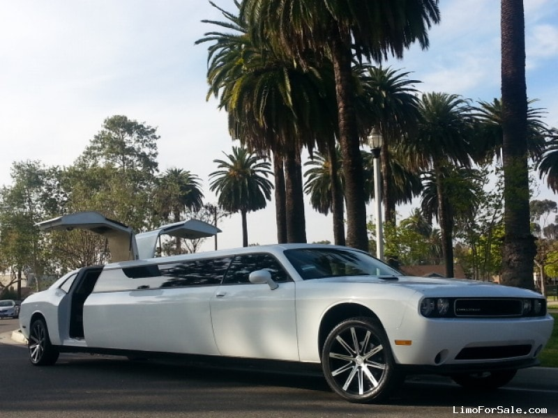 Limos For Sale >> Used 2014 Dodge Challenger Sedan Stretch Limo American Limousine Sales Los Angeles California 77 995