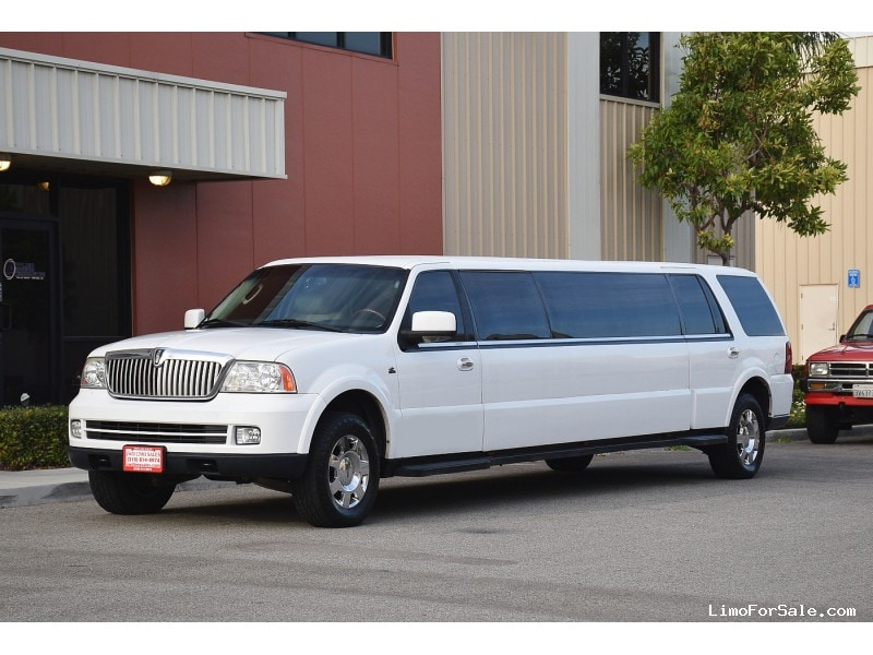 used 2006 lincoln navigator suv stretch limo coastal coachworks fontana california 33 900. Black Bedroom Furniture Sets. Home Design Ideas