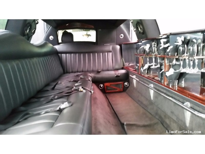 Used 2007 Lincoln Town Car Sedan Stretch Limo LCW - Lawrenceburg, Indiana    - $10,500.00