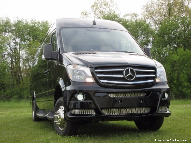 New 2015 Mercedes-Benz Sprinter Van Limo Battisti Customs - Saint Louis, Missouri - $129,995