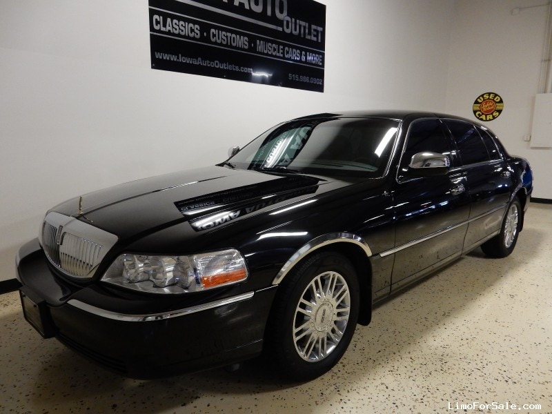 used 2007 lincoln town car l sedan limo grimes iowa 15 995 limo for sale. Black Bedroom Furniture Sets. Home Design Ideas