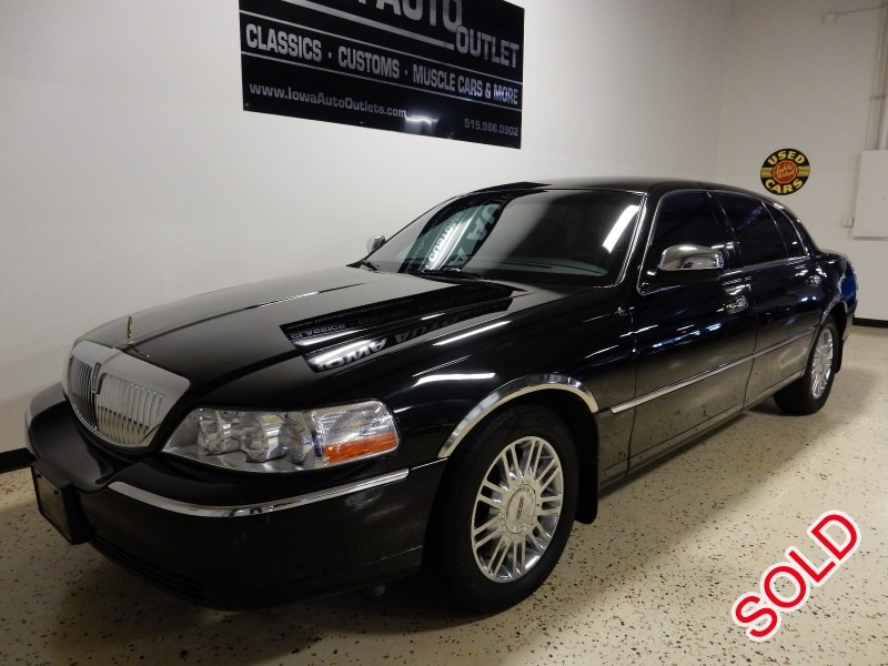used 2007 lincoln town car l sedan limo grimes iowa 14 750 limo for sale. Black Bedroom Furniture Sets. Home Design Ideas