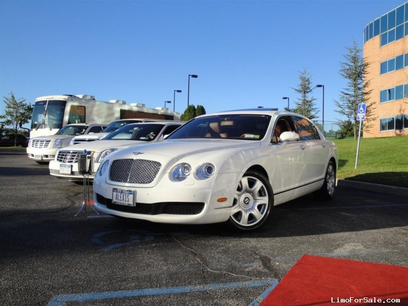 Used 2006 Bentley Flying Spur Sedan Limo  - Smithtown, New York    - $42,750