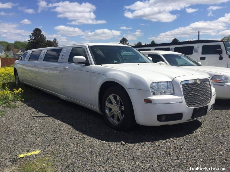 used 2005 chrysler 300 sedan stretch limo lcw scranton pennsylvania 12 500 limo for sale. Black Bedroom Furniture Sets. Home Design Ideas