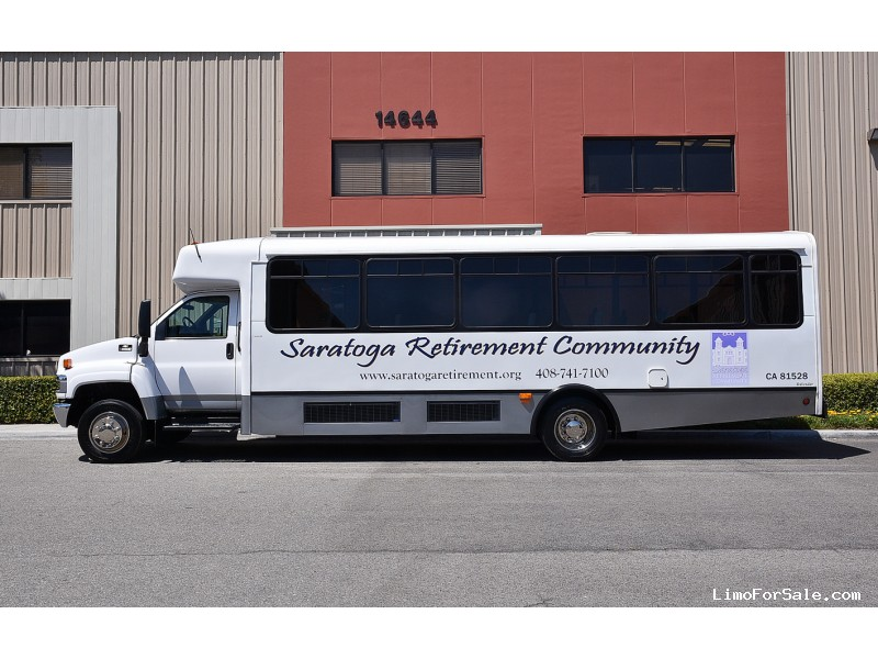 Used 2007 Chevrolet C5500 Mini Bus Shuttle / Tour Champion - Fontana, California - $29,995