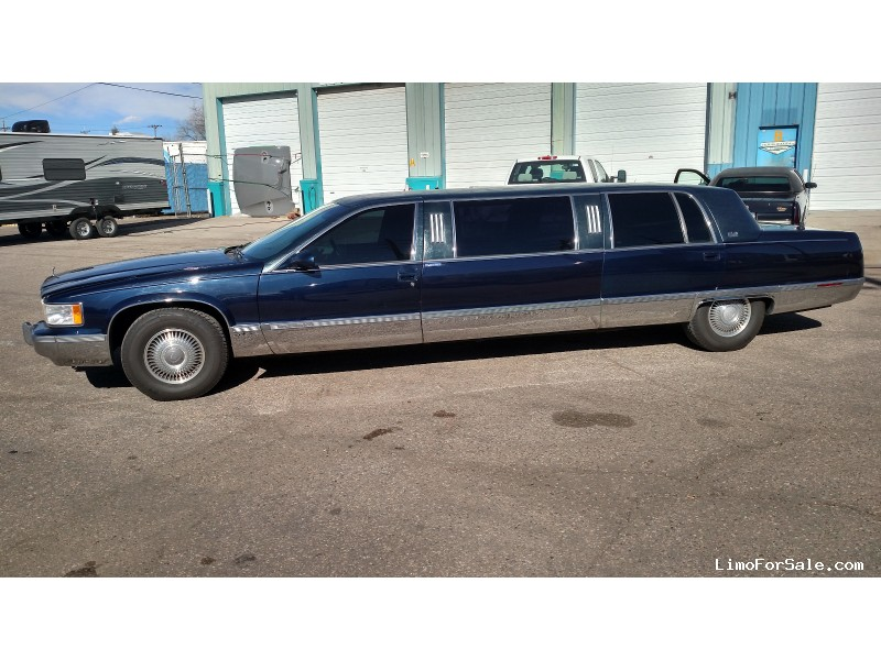 Used 1995 Cadillac Fleetwood Sedan Stretch Limo  - CHEYENNE, Wyoming - $5,995
