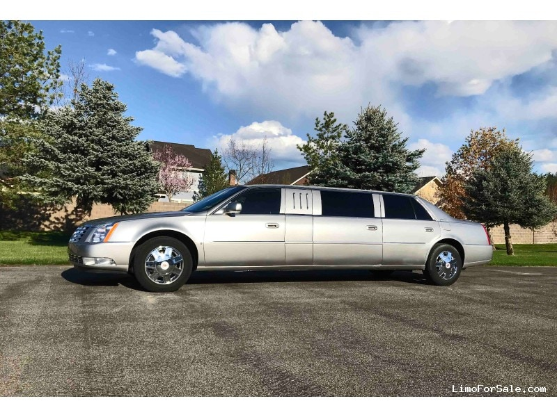 Used 2008 Cadillac DTS Sedan Stretch Limo  - Post Falls, Idaho  - $16,000