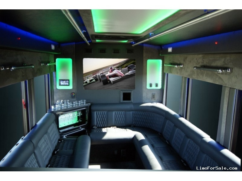 New 2019 Ford Transit Mini Bus Limo Starcraft Bus - Kankakee, Illinois - $79,900