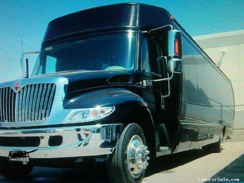 Used 2008 International 3200 Mini Bus Limo Krystal - orange, California - $42,500