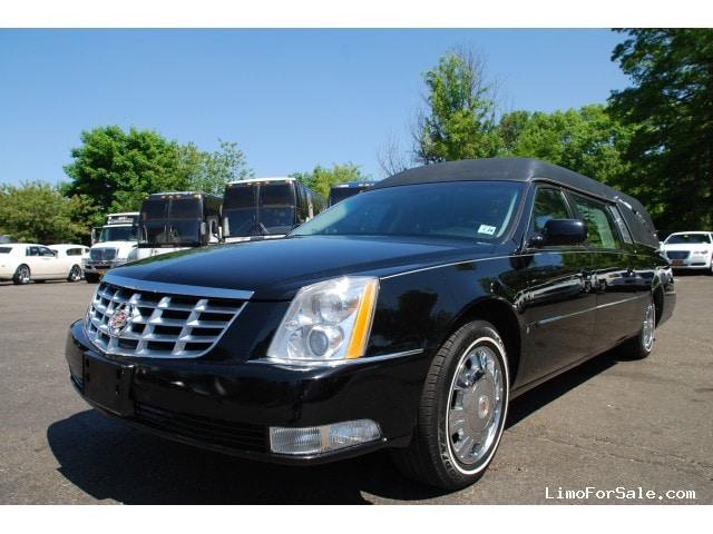 Used 2010 Cadillac DTS Funeral Hearse Superior Coaches - Commack, New York    - $27,900