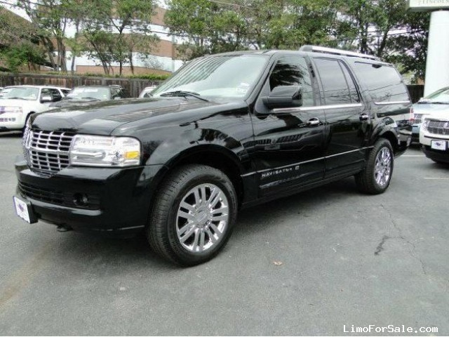 used 2009 lincoln navigator l suv limo star prairie wisconsin 27 000 limo for sale. Black Bedroom Furniture Sets. Home Design Ideas