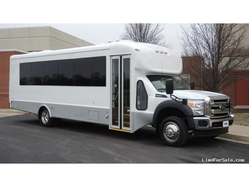 New 2015 Ford F-550 Mini Bus Shuttle / Tour Starcraft Bus - Kankakee, Illinois - $86,950