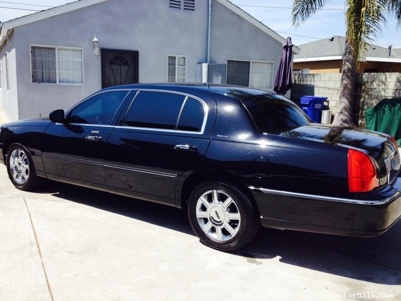 used 2011 lincoln town car l sedan limo 10 000 limo for sale. Black Bedroom Furniture Sets. Home Design Ideas
