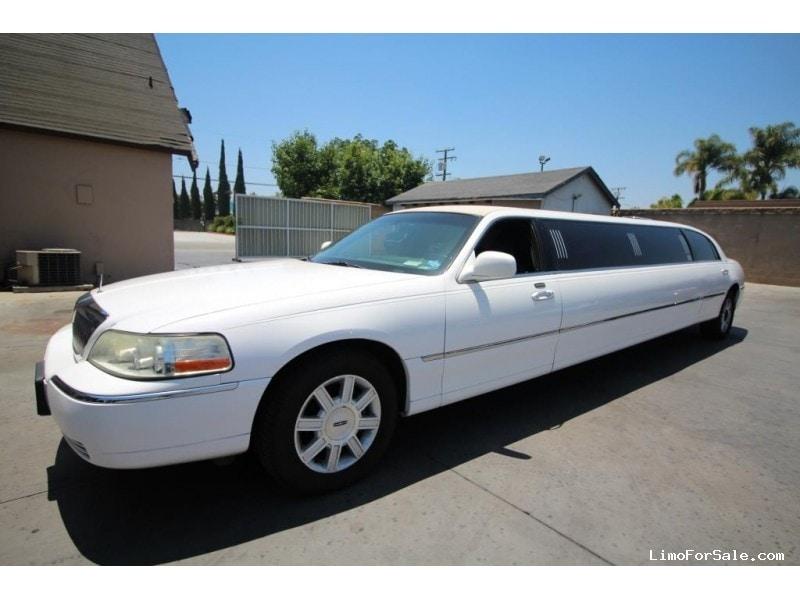 used 2008 lincoln town car sedan stretch limo executive coach builders buena park california. Black Bedroom Furniture Sets. Home Design Ideas