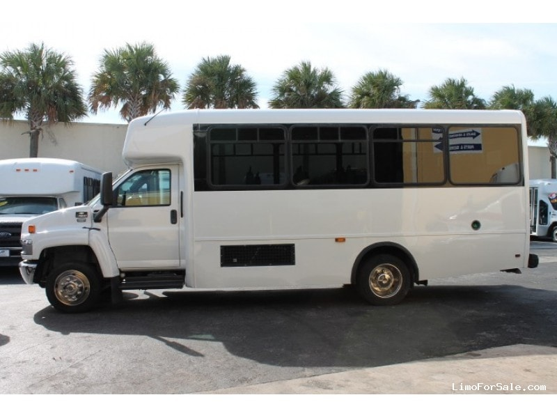 Used 2006 Chevrolet C4500 Mini Bus Shuttle / Tour Champion - Pompano Beach, Florida