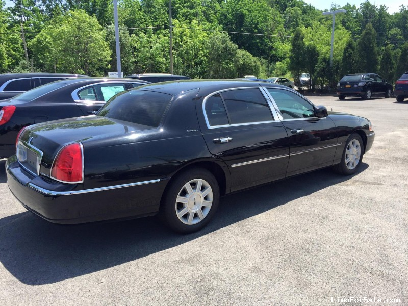 Used 2011 Lincoln Town Car L Sedan Limo Orchard Park