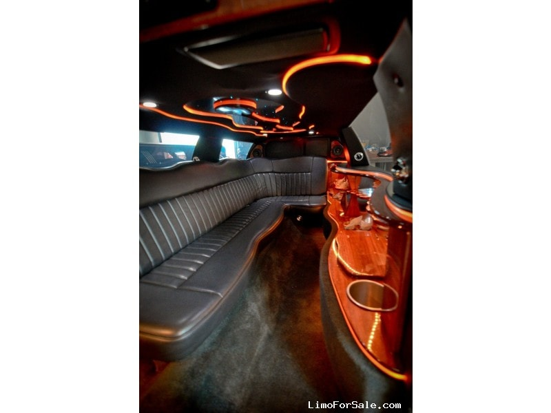 Used 2005 Lincoln Town Car L Sedan Stretch Limo Springfield - Avon, New York    - $15,995