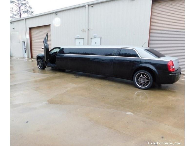 Used 2008 Chrysler 300 Sedan Stretch Limo Great Lakes Coach - ST PETERSBURG, Florida - $19,995