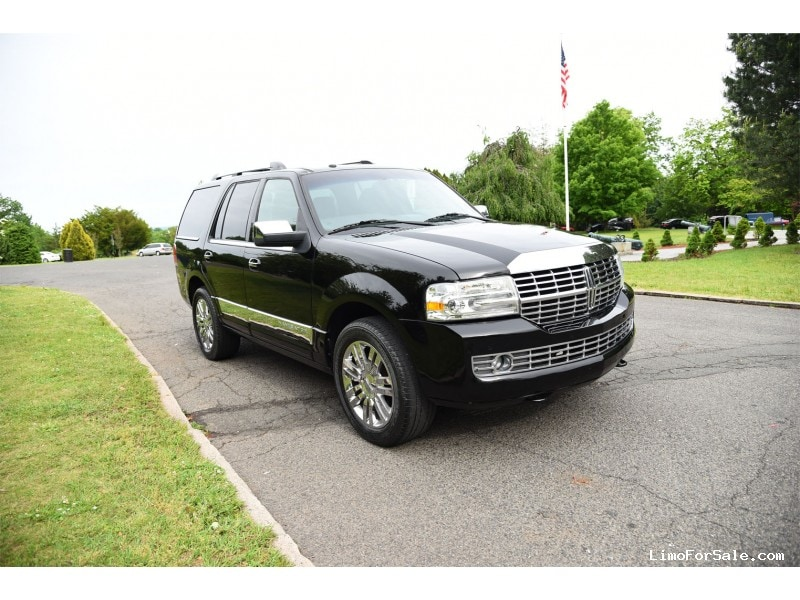 used 2009 lincoln navigator suv limo paterson new jersey 10 500 limo for sale. Black Bedroom Furniture Sets. Home Design Ideas