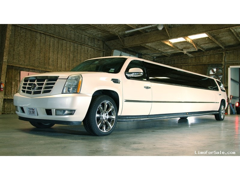 used 2007 cadillac escalade suv stretch limo limos by moonlight 44 500 limo for sale. Black Bedroom Furniture Sets. Home Design Ideas