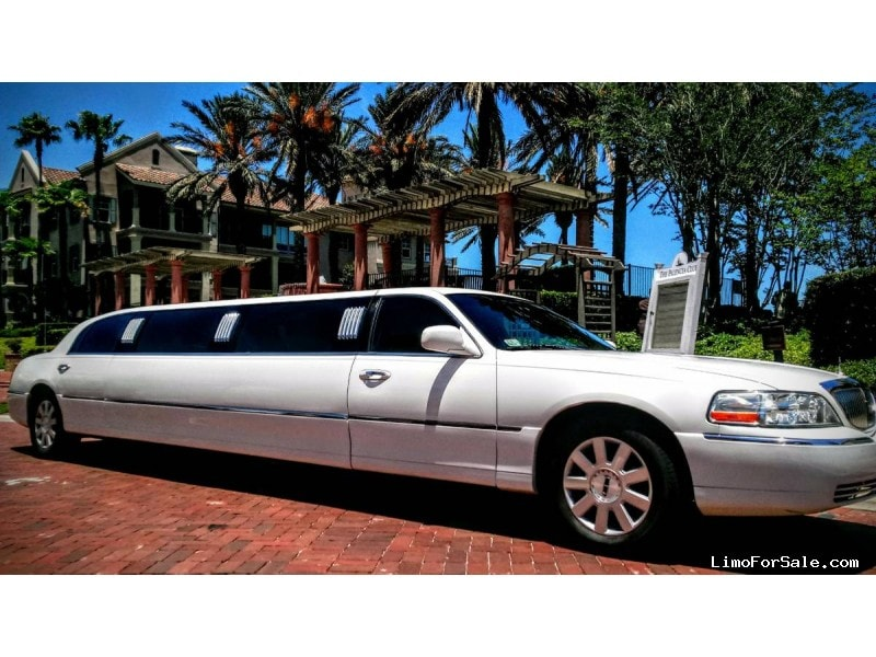 Used 2003 Lincoln Town Car Sedan Stretch Limo Royal Coach Builders