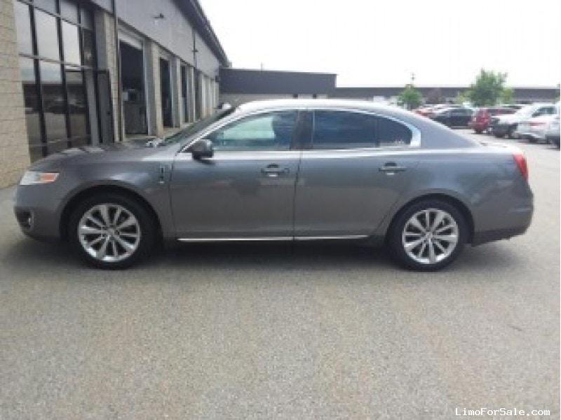 Used 2012 Lincoln MKS Sedan Limo  - Shrewsbury, Massachusetts - $10,495