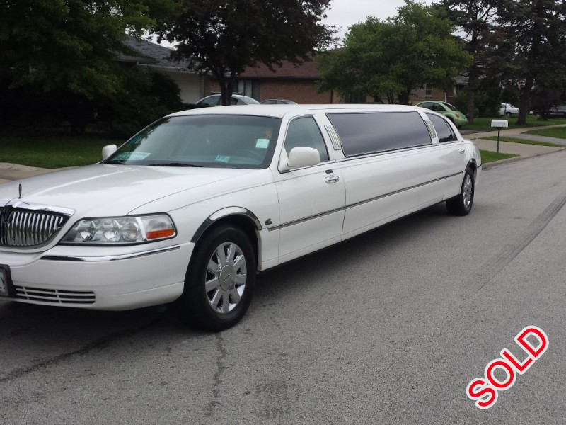 Used 2005 Lincoln Town Car Sedan Stretch Limo Coastal Coachworks - Burbank, Illinois - $8,500