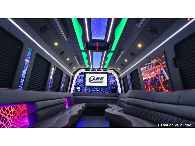 New 2018 Ford F-550 Mini Bus Limo LGE Coachworks - North East, Pennsylvania - $134,900