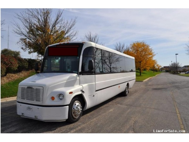 Used 2005 Freightliner Coach Motorcoach Limo ABC Companies - Southfield, Michigan - $60,000