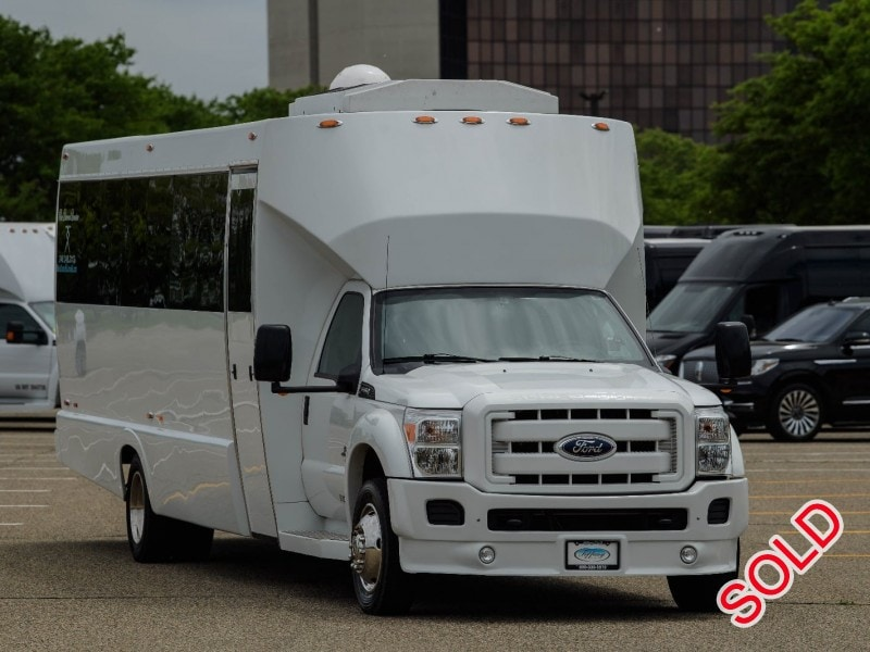 Used 2011 Ford F-550 Mini Bus Limo Tiffany Coachworks - Dearborn, Michigan - $64,900