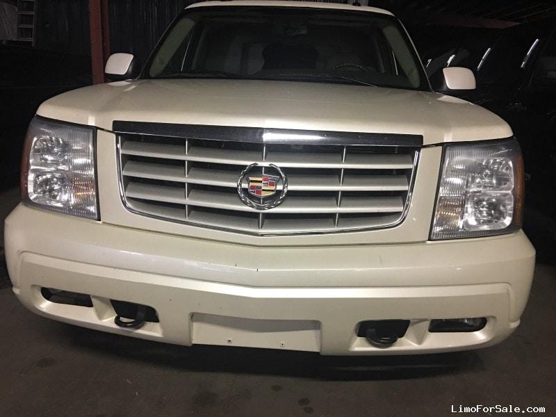 Used 2004 Cadillac Escalade ESV SUV Stretch Limo Great Lakes Coach - Grand Rapids, Michigan - $19,500