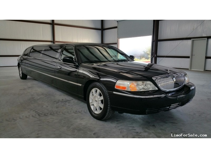 Used 2009 Lincoln Town Car L Sedan Stretch Limo  - Grand Rapids, Michigan - $18,500