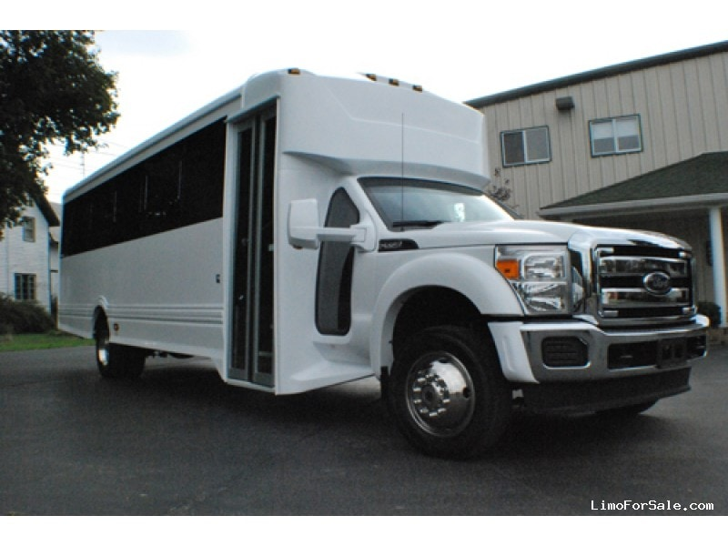 Used 2014 Ford F-550 Mini Bus Limo LGE Coachworks - AMITYVILLE, New York    - $80,000