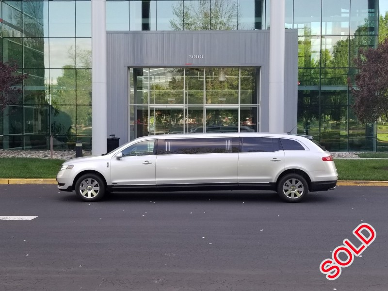 New 2019 Lincoln Sedan Stretch Limo Executive Coach Builders - Springfield, Missouri