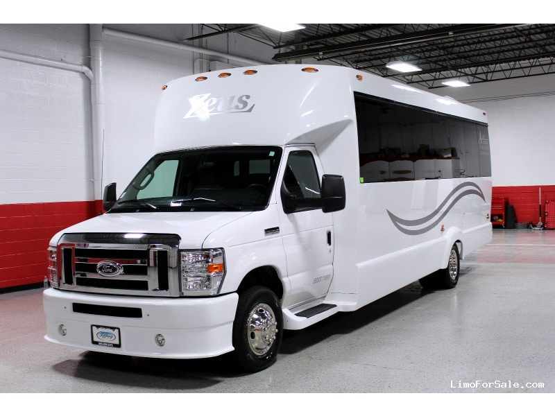 Used 2016 Ford Mini Bus Limo Tiffany Coachworks - plymouth, Michigan - $67,001