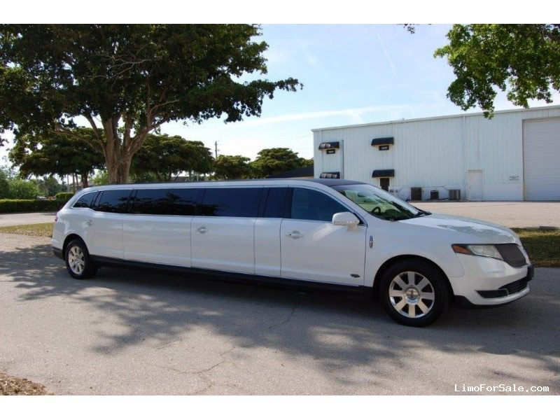 Used 2014 Lincoln SUV Stretch Limo Royale - Winona, Minnesota - $42,500