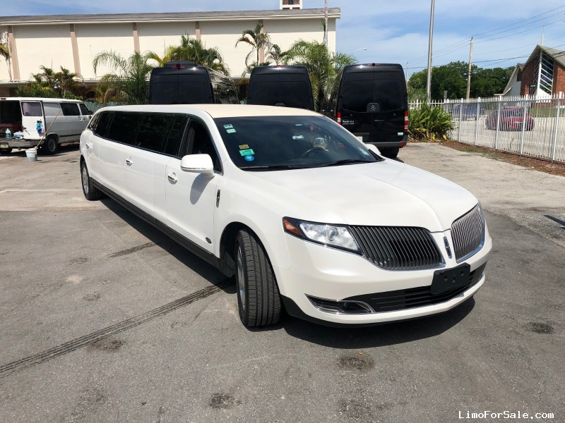 Used 2016 Lincoln MKT Sedan Stretch Limo Royal Coach Builders - Davie, Florida - $27,500