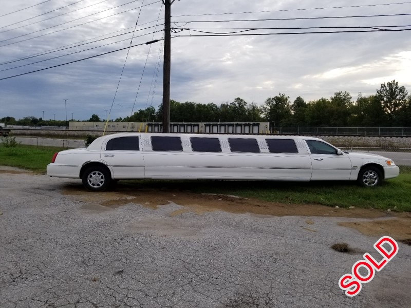 Used 2000 Lincoln Sedan Stretch Limo S&R Coach - New Albany, Indiana    - $5,000