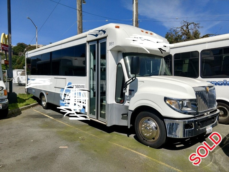 Used 2013 International Mini Bus Shuttle / Tour Starcraft Bus - Anaheim, California - $25,000