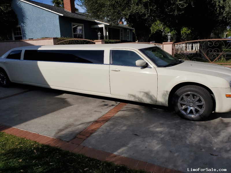 Used 2006 Chrysler 300 Sedan Stretch Limo Royal Coach Builders - van nuys, California - $13,950