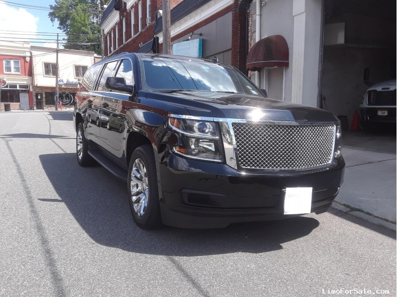 Used 2015 Chevrolet Suburban Sedan Limo  - Lyndhurst, New Jersey    - $39,995