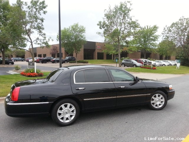 used 2011 lincoln town car l sedan limo eagan minnesota 11 500 limo for sale. Black Bedroom Furniture Sets. Home Design Ideas